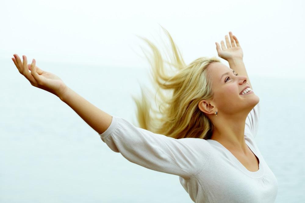 woman reiki gratitude
